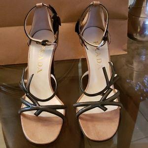 Prada heels tan  black gorgeous sandals heel 36